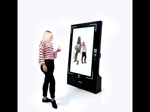 HeroMirror: an Augmented Reality-powered photo booth for any space or event