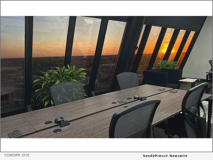 COWORK 1010 - Meeting Room Sunset